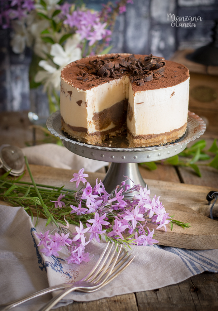 Tarta helada de Tiramisú. Receta con Mesura, sin azúcar refinado.