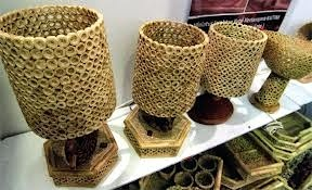 hiasan lampu kerajinan tangan dari kulit jagung