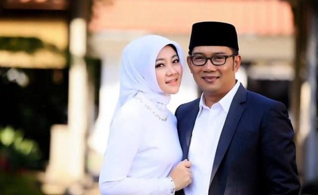 Ingat ya Rumah Tangga Bahagia Bukan Dilihat Dari Seberapa Besar Gaji Suami , Tapi Seberapa Besar Tanggung Jawab Suami!