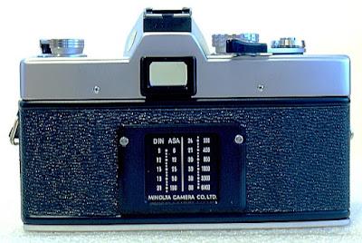 Minolta SRT-101b, Back