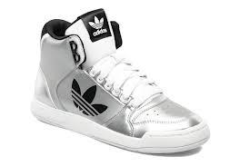 meilleur service 4a1c3 e7dde Adidas Midiru Court 2.0 Trefoil