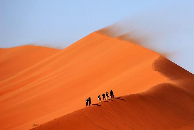 marche à pied pléonasme, dune de sable pléonasme