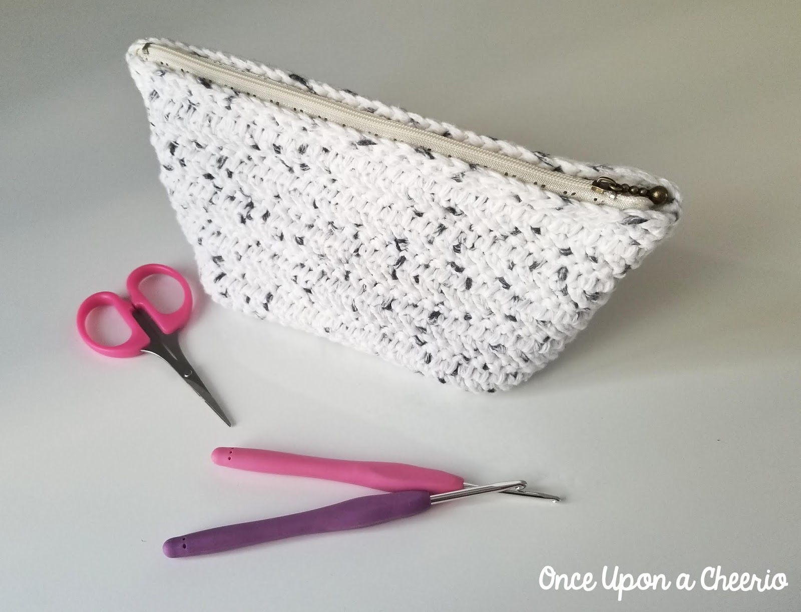 Herringbone Zipper Pouch FREE Crochet Pattern