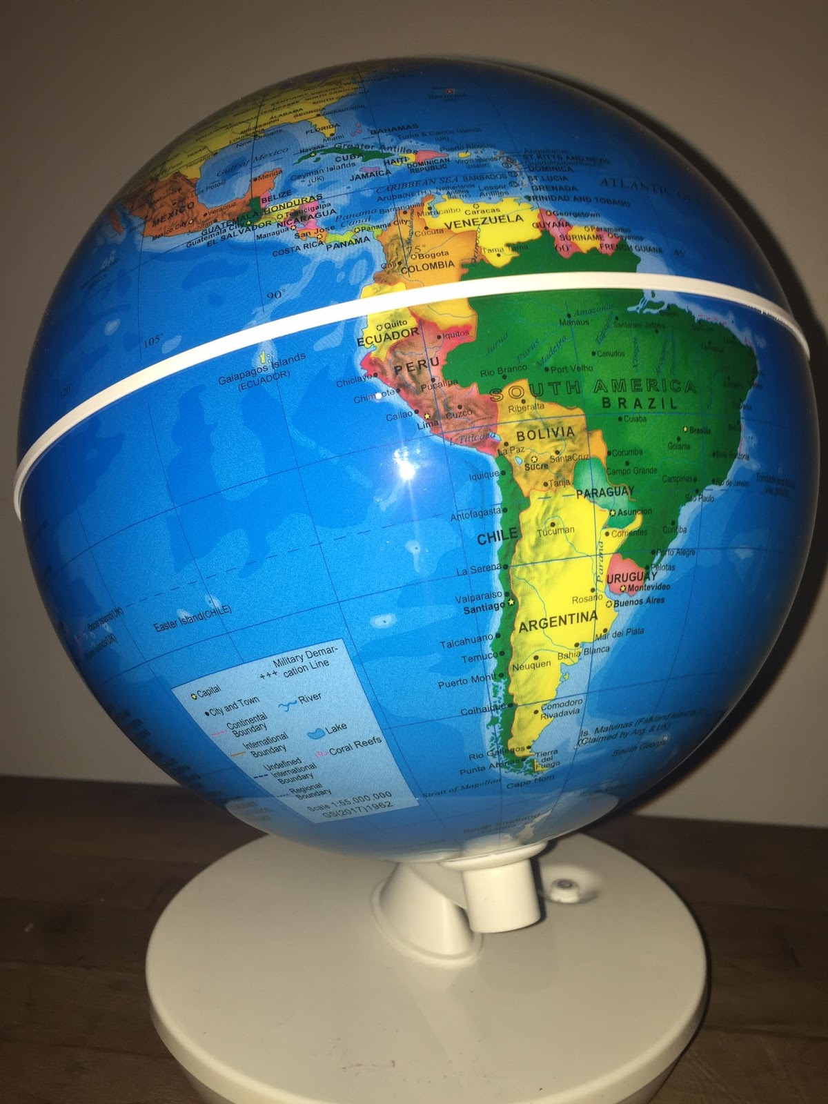 Being tillys mummy smartglobe starry 2 in 1 or day and night in day mode the globe shows all of the countries of the world and political borders it also shows capital cities and the oceans gumiabroncs Choice Image