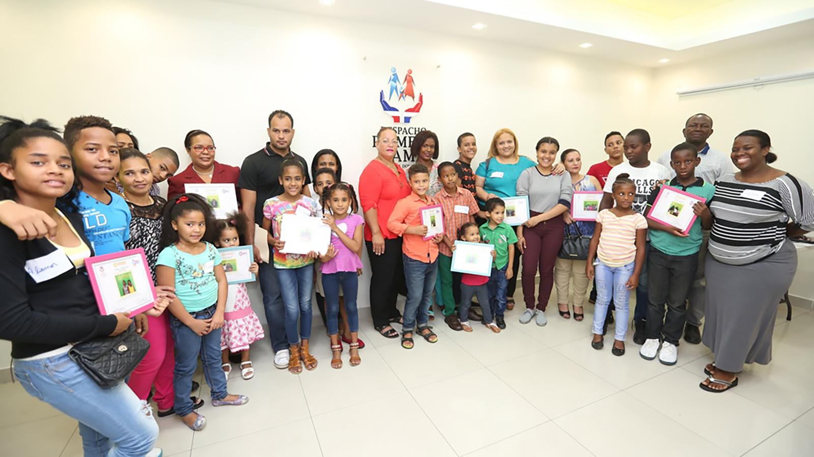 3,000 personas se fortalecen con talleres psico educativos del Despacho de la Primera Dama