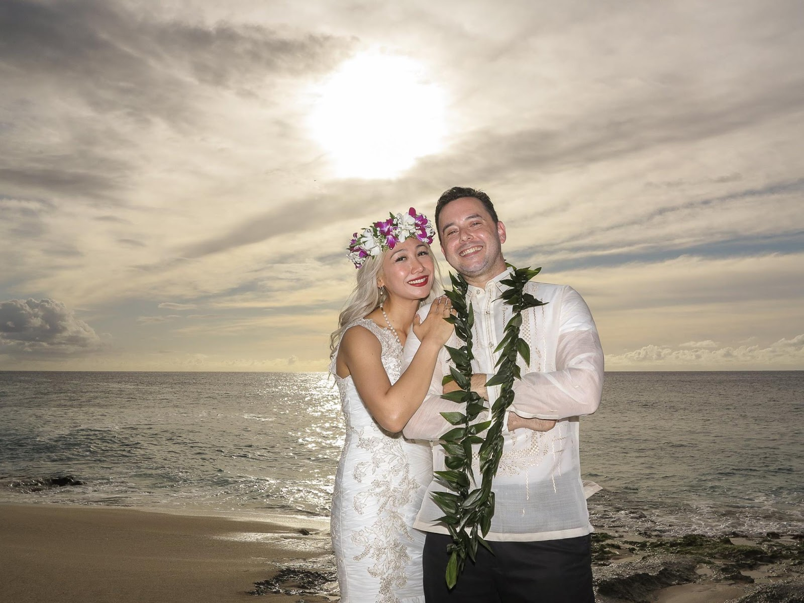 Planning Hawaiian Weddings With Year Round Gorgeous Weather World Class Beaches And Towering Mountains The Mood Excitement Comes From Exploring