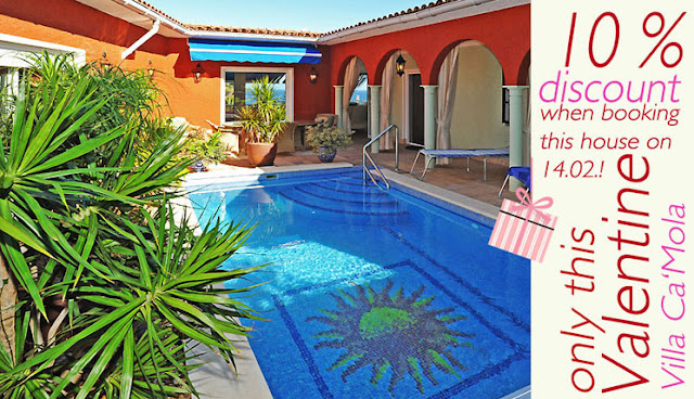 http://www.lascasascanarias.com/english/villas-tenerife/villa-bajamar.html