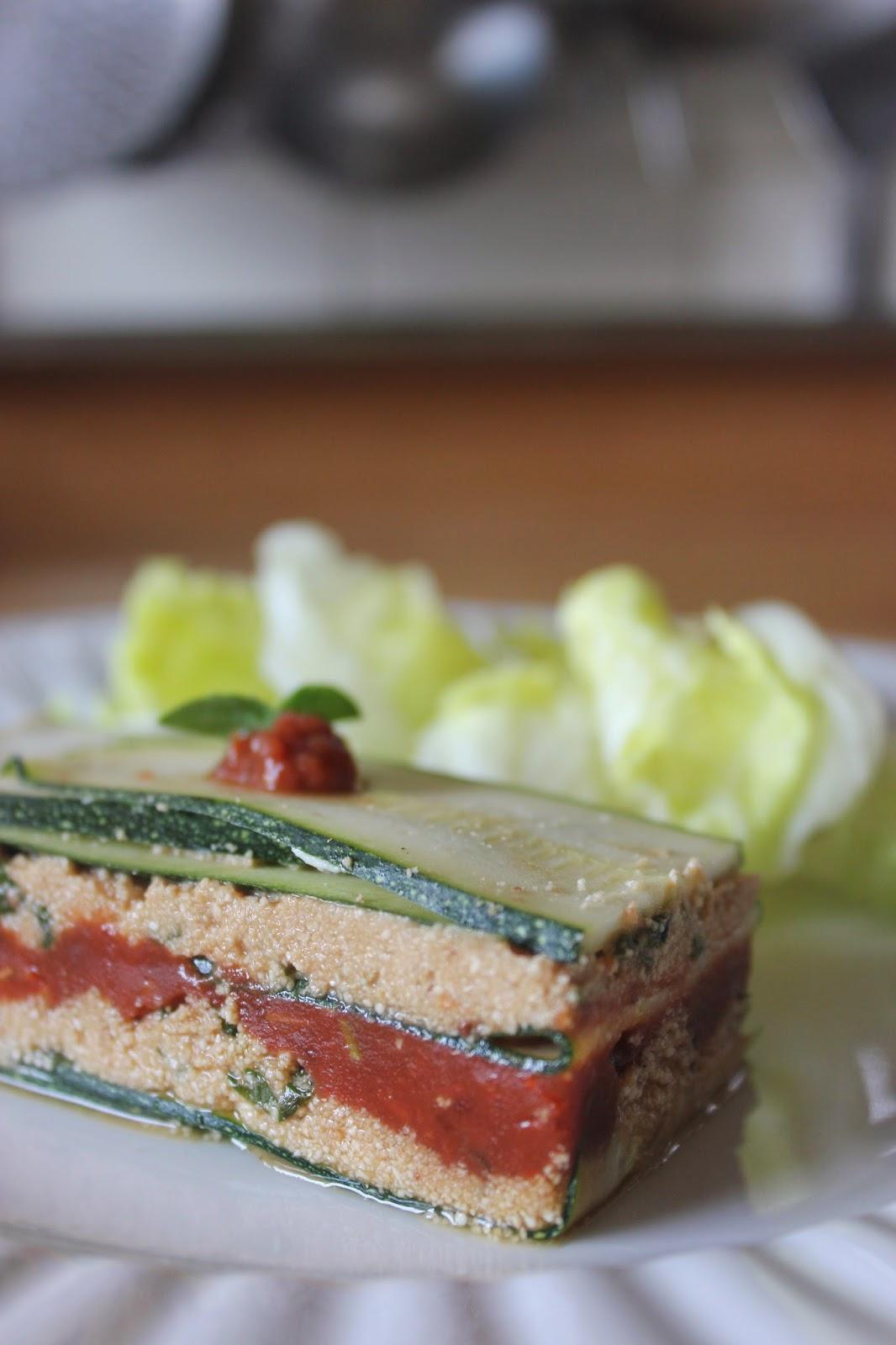 https://cuillereetsaladier.blogspot.com/2014/09/lasagnes-crues-de-courgette-et-sa-sauce.html