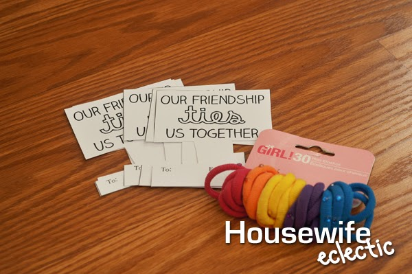 Housewife Eclectic: Our Friendship Ties Us Together Valentine with Free Printable