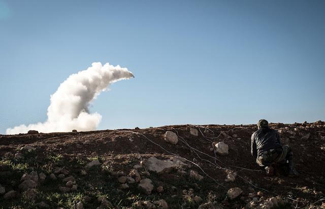 Lanzamiento cohete casero Siria