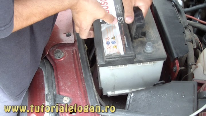 http://www.tutorialelogan.ro/2014/11/curatat-de-mizerie-suport-baterie.html