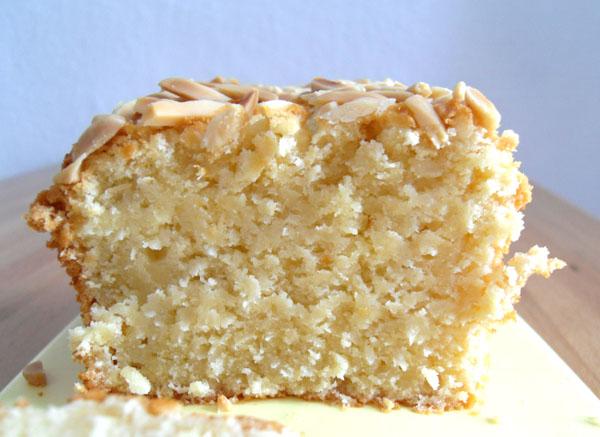 Kokos-Orangen-Rührkuchen mit Mandeln | Foodblog rehlein backt