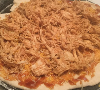 almost famous barbecue chicken pizza, BBQ chicken pizza, weeknight recipe, California style bbq chicken pizza