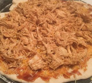 almost famous barbecue chicken pizza, BBQ chicken pizza, weeknight recipe, California style bbq chicken pizza