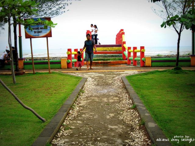 Taman Pantai Pasir Kencana