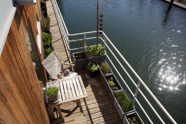 Floating House 8