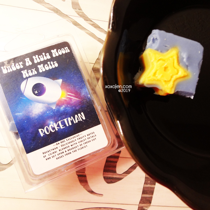 xoxoJen's swatch of Under A Hula Moon Rocketman wax melt