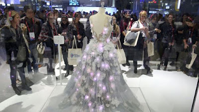 presentamos el innovador vestido de las emociones