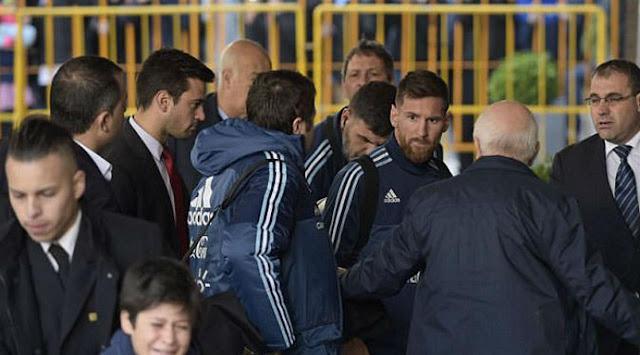 Messi Selamatkan Bocah yang Diseret Petugas Keamanan di Uruguay