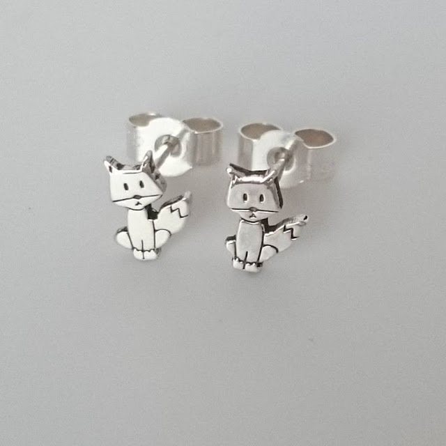 Abercrombie Cumbes Metal Stamped Fox Earrings