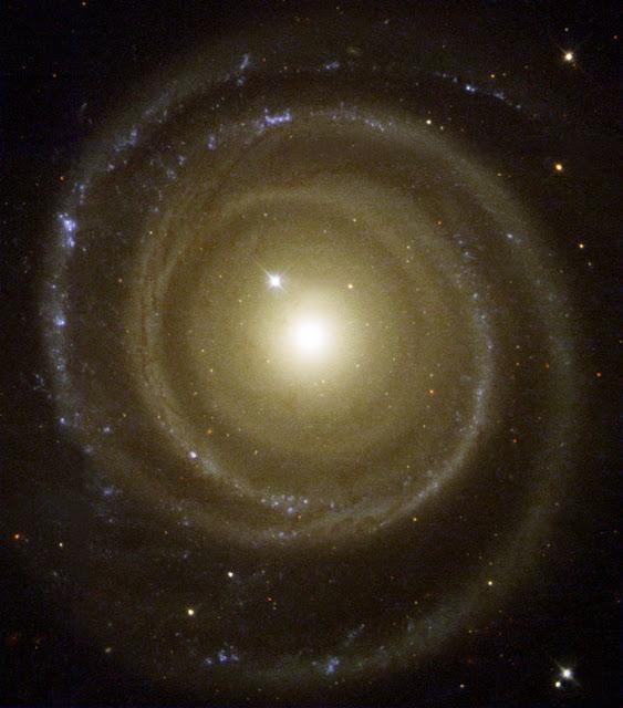 Spiral Galaxy NGC 4622