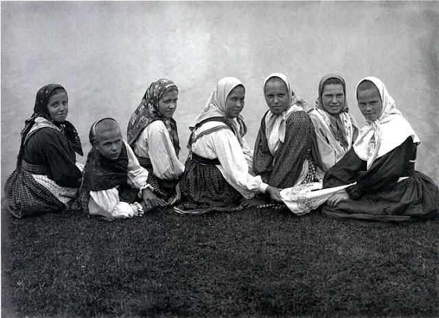 russkie-pyanie-zhenki-glubokih