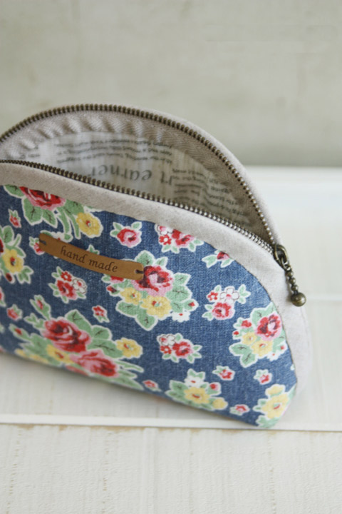 Zippered Cosmetic Bag. DIY Pattern & Tutorial in Pictures.