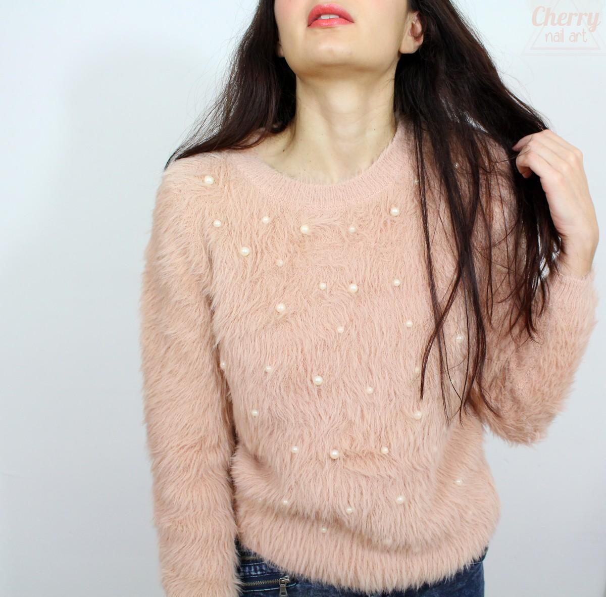 molly-bracken-pull-yeti-poil-doux-perles-rose-mode