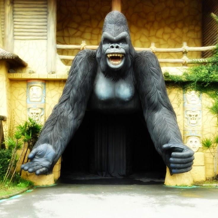 Monga: a mulher que se transforma em gorila do Beto Carrero World