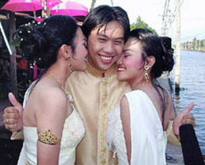 Thai Man Couldn't Decide Who To Choose Between These Gorgeous Twin Sisters, So He Both Married Them!
