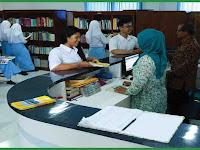 Buku Panduan Gerakan Literasi Sekolah (GLS) di SMK