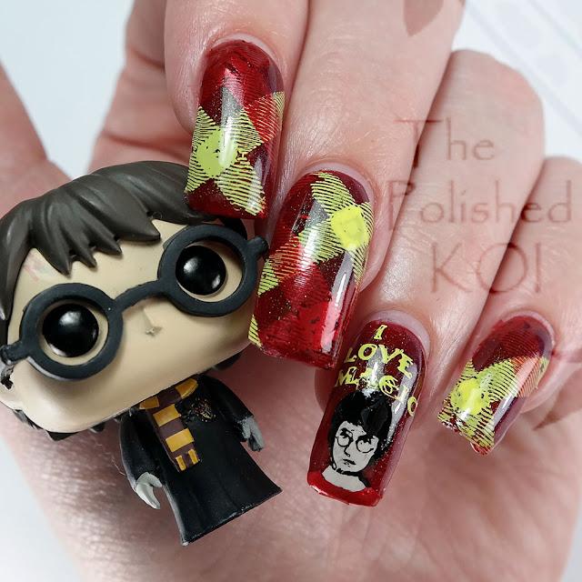 Harry Potter Gryffindor Nail Art