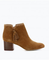 Boots Pompons - Texto