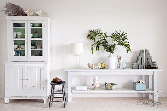 beach house console table