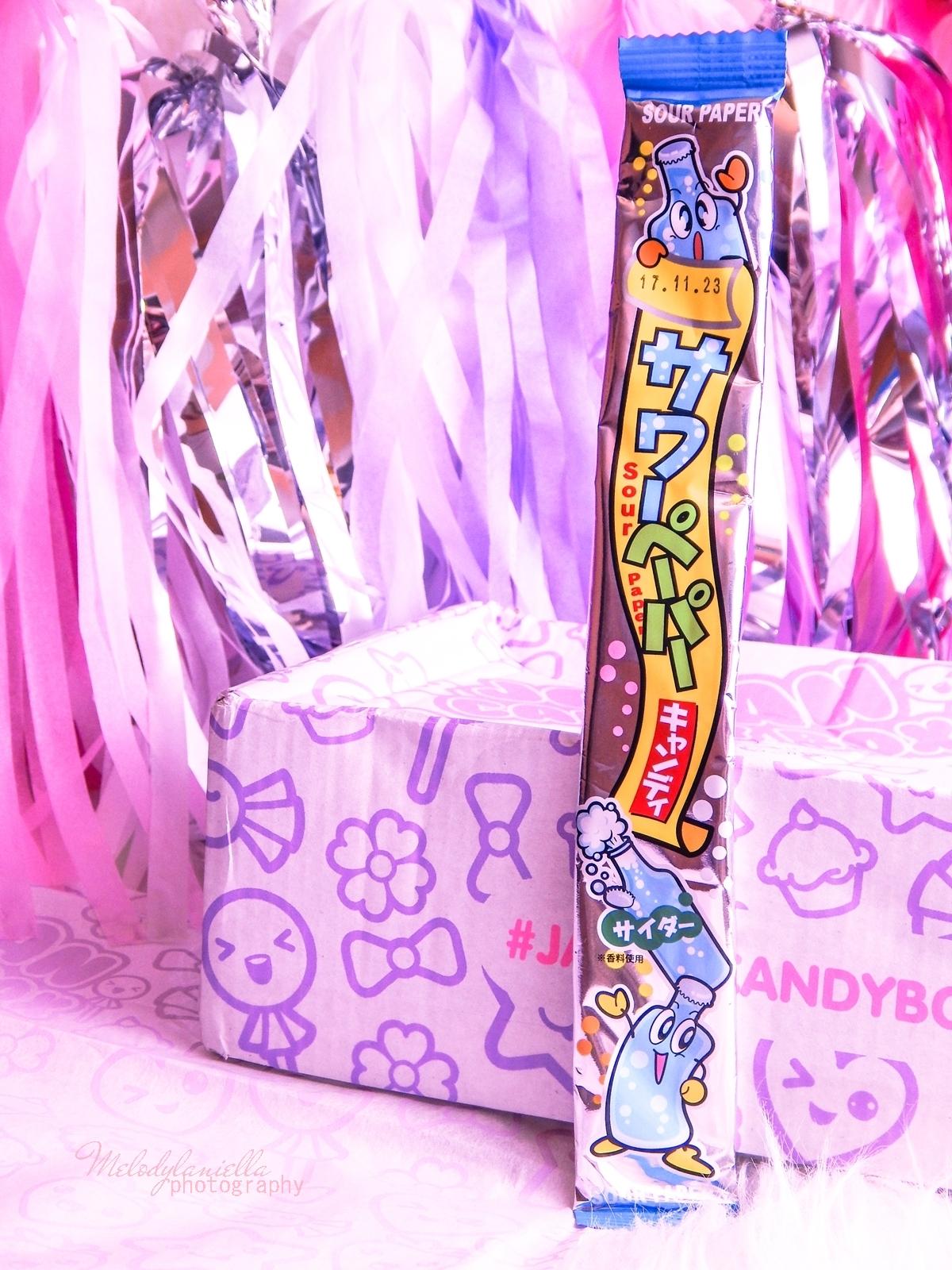 6 melodylaniella photography partybox japan candy box pudełko pełne słodkości z japonii azjatyckie słodycze ciekawe jedzenie z japonii cukierki z azji boxy z jedzeniem yaokin paper soda candy