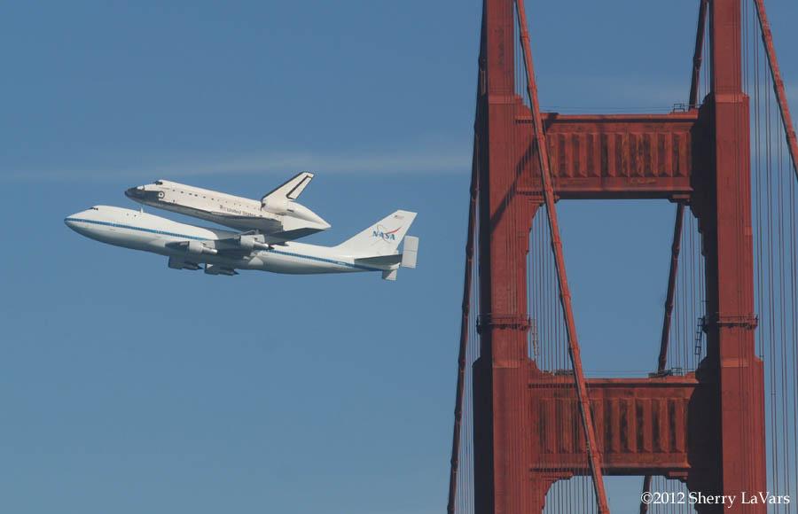 Captive Wild Woman: Space Shuttle Endeavor over the Golden ...