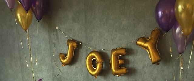 Ballons or en forme de lettre