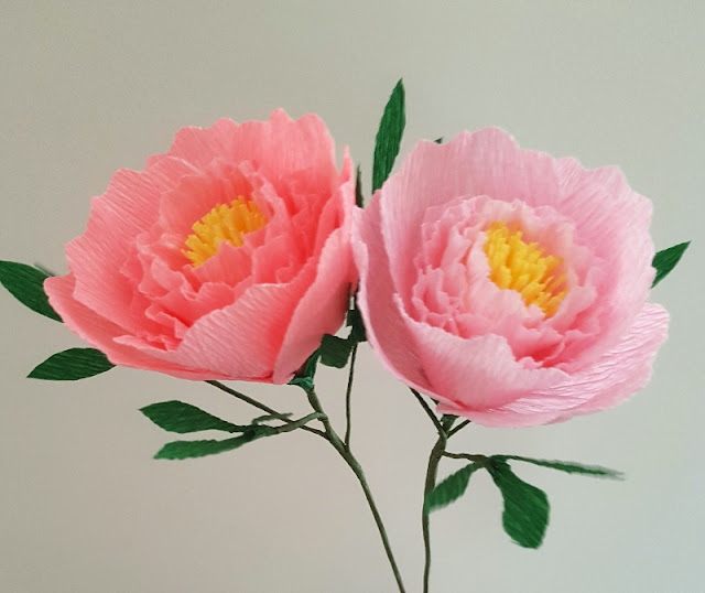How to make beautiful crepe paper peonies - they are stunning