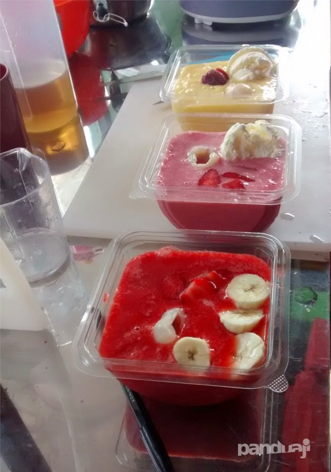 ice cream yoghurt buah