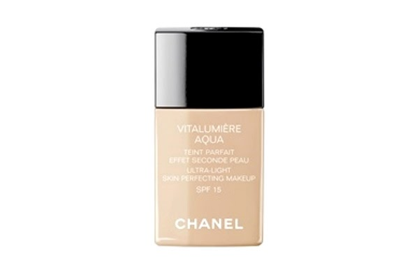 beautifully addicted to a beauty blog chanel vitalumiere aqua in b10 beige pastel. Black Bedroom Furniture Sets. Home Design Ideas