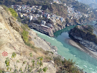 Devparyag - confluence of alaknanda and bhagirathi rivers