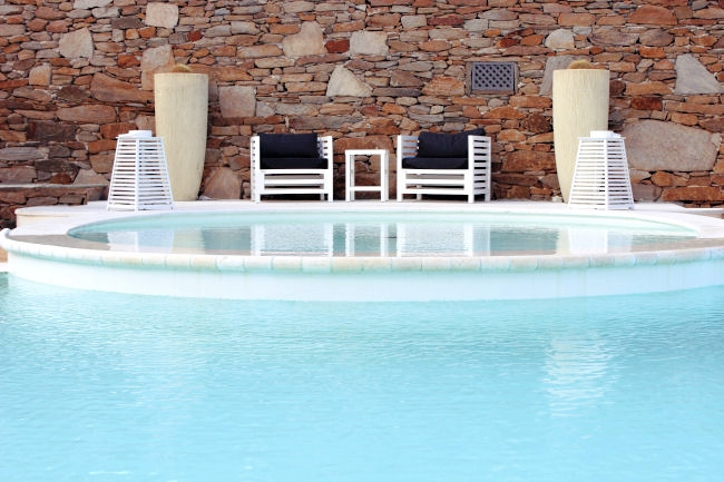 Best hotels in Ios with pools