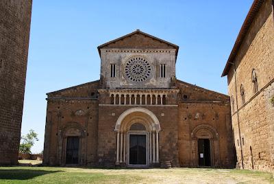 Esplorando i dintorni di Viterbo: cosa vedere a Soriano nel Cimino, Sutri e Tuscania
