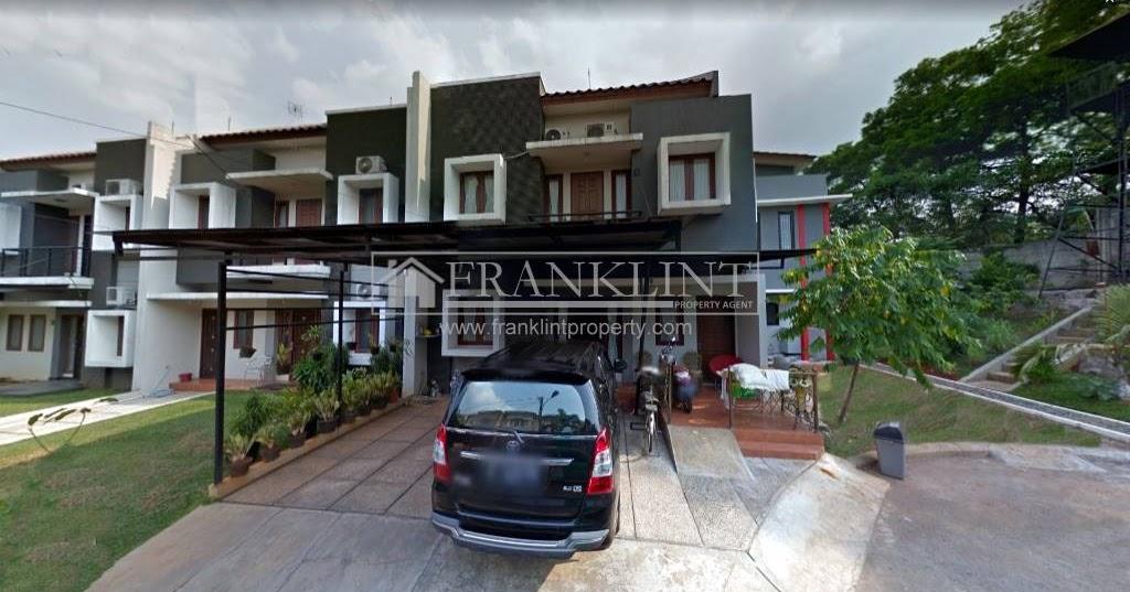 Rumah Hook Halaman Luas di Raffles Hills Cibubur