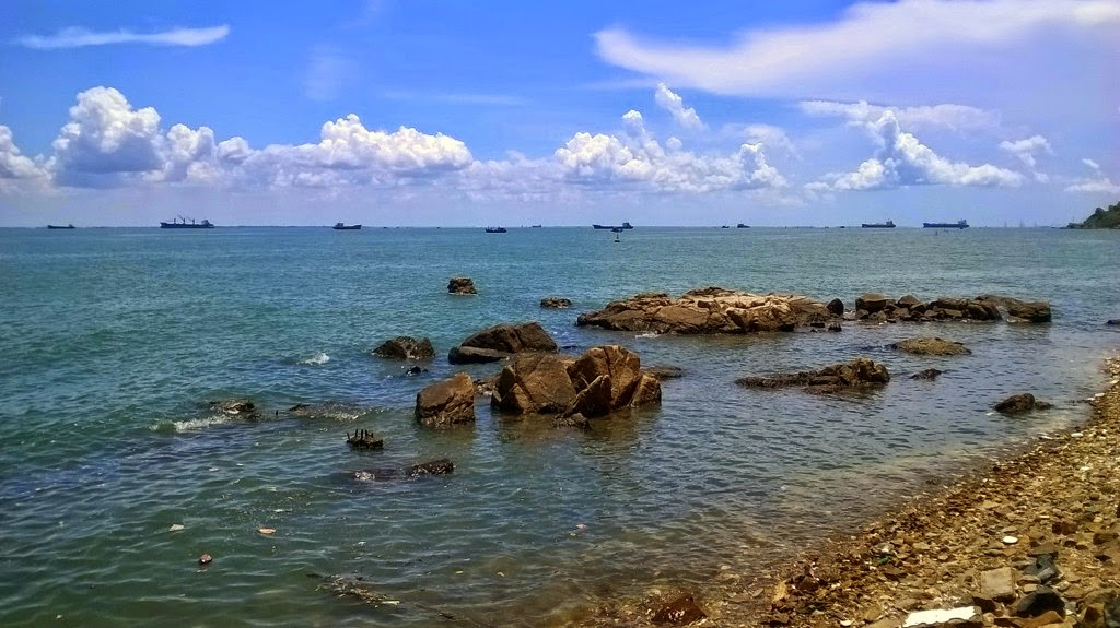 Vung Tau, a favorite beach of Southern people 17