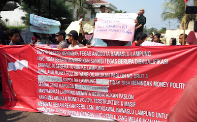 Aliansi Mahasiswa Tuntut Kasus Money Politic