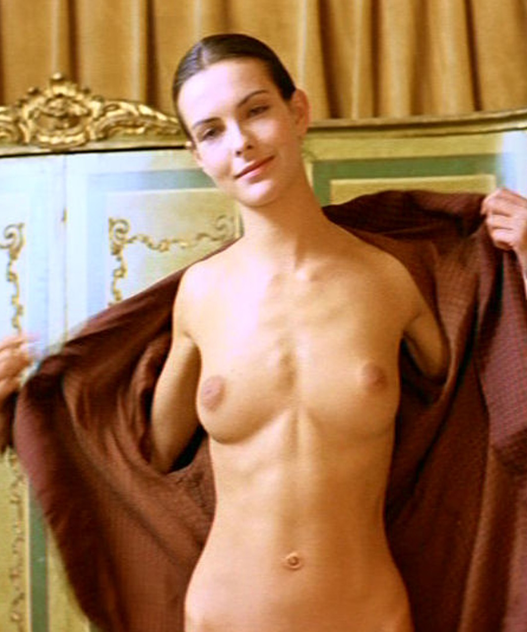 Carole bouquet topless