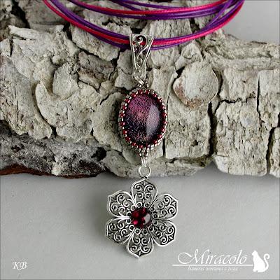 Miracolo, szkło dichroiczne, granat, filigran, dichroic glass, garnet, filigree pendant