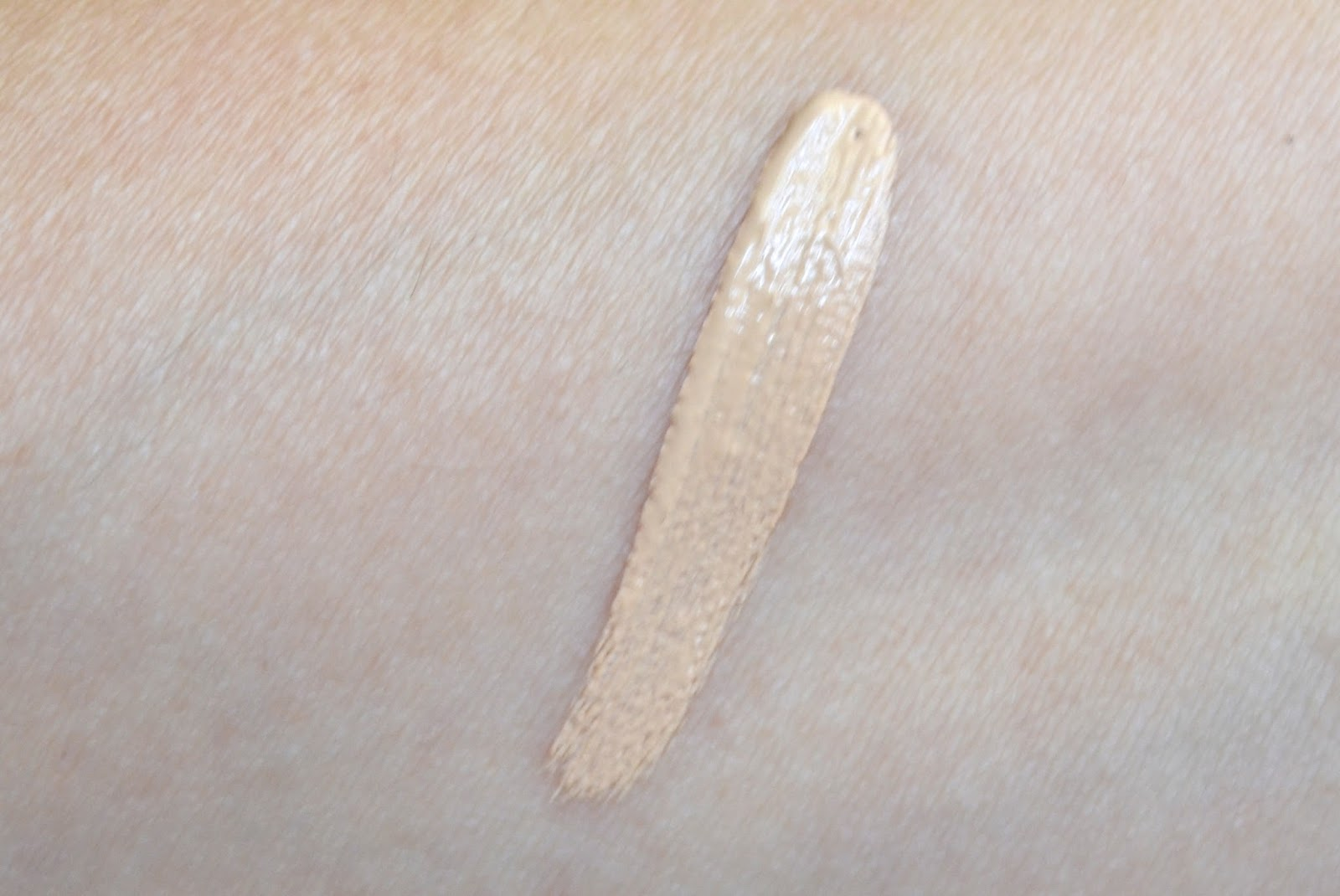 Aquaheart: Maybelline Superstay Better Skin Concealer - Review