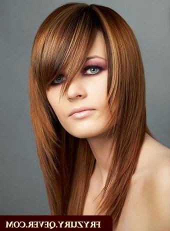 Idee coupe cheveux mi long visage rond coupe cheveux mi - Coupe destructuree mi long ...